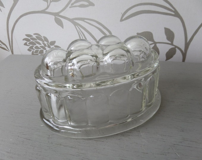 "Glass Jelly Mould or Jello Mold! FREE SHIPPING, 1960's Mid Century English, Ideal for Jelly, Jello.  6.5"" x 4.25"" x 4"" high, Immaculate"