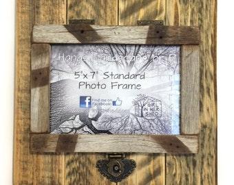 """Rustic 5""""x 7"""" Hinged Frame, Natural/Rustic"""