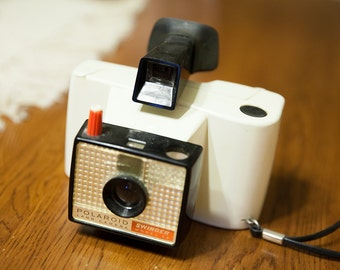 "Polaroid Land Camera ""Swinger Model 20"""