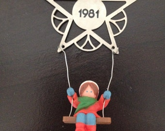 Hallmark 1981 Ornament