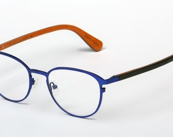 Titanium glasses with wooden temples