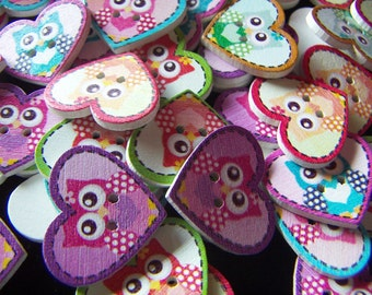 "20 Painted Wood Buttons Heart Shape Buttons  with Owl Painted 1"" Craft Projects Sewing Buttons Mixed Lot"