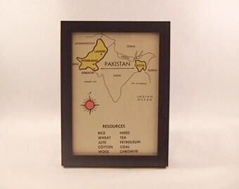 Pakistan framed vintage global flash card