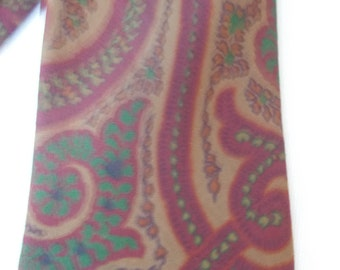 Vintage neck tie burgandy paisley print from 60s