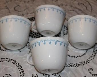 Vintage ~ Corelle Livingware By Corning  ~Cinderella Pattern ~ Set of 4 Coffee Cups