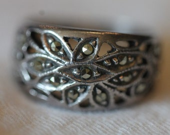 Vintage sterling silver marcasite ring size 6.75