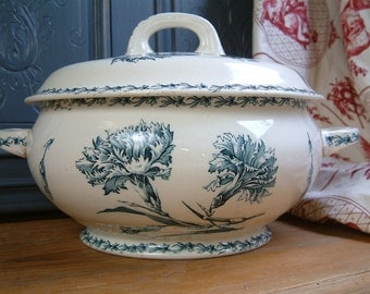 Antique french transferware tureen. Antique blue transferware tureen. French country. French shabby chic. French kitchen decor