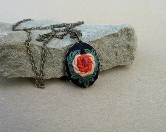 Pendant with hand embroidered rose (color IV)