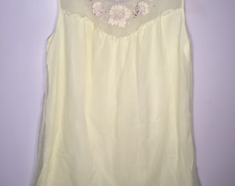Vintage Yellow Lace Nighty // 1960's-1970s // Free Shipping