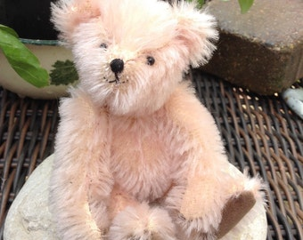 "Cowrie, a 5"" limited edition mohair bear"
