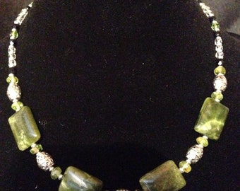 Peridot and Marbled Cat's Eye Glass Necklace