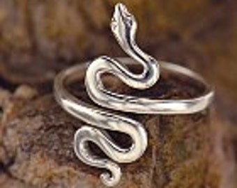 Silver Adjustable Snake Ring, One size. Wearable Art. Silver Snake Ring. 040