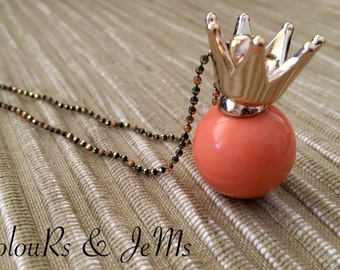 Long necklace, chain, pendant, crown