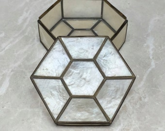 Vintage Jewelry Box, Vintage Trinket Box, 1960 Jewelry Box, Vintage Ring Box, Vintage Container, Vintage Shell Box, Vintage Box, Capiz Shell