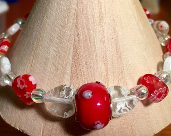 Red and White glass hearts bracelet
