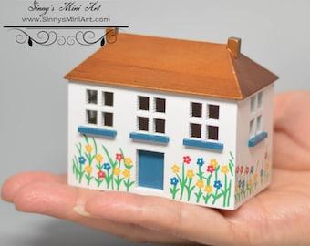 1:144 Hand Painted Dollhouse AZ T8424