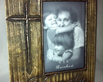 Photo Frame with Cross detail RA8785