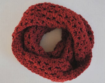 Crochet Chunky Infinity Scarf - Maroon / Red