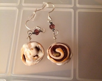 Cute miniature cinnamon roll earrings!