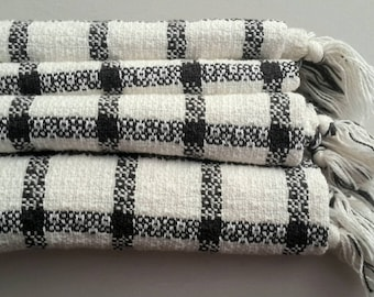 Plaid Blanket Throw - Cotton Loom Throw - Soft Quilt - Chair throw - Woven throw blanket in charcoal and almond white -Swaddle blanket