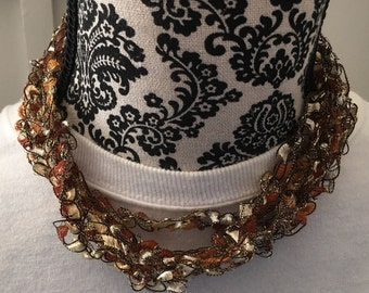 Trellus yarn necklace
