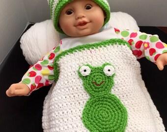 Crochet Baby Cocoon, Crochet Frog Cocoon, Newborn-6 mo., Photo Prop, Crocheted Cocoon