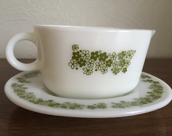 Vintage Pyrex Green Daisies Gravy Boat with Plate