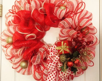 Christmas Wreath, Mesh Christmas Wreath, Candy Cane Wreath, Christmas Decor, Christmas Door Hanger, Holiday Wreath, Christmas Gift