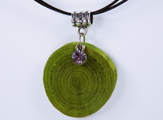 Necklace made of green olive wood at the silver-colored carousel with purple rhinestone stone double black leather bracelet unique jewelry Green wood