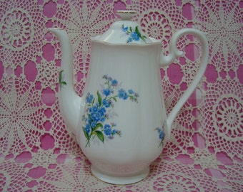 Gorgeous Vintage Royal Albert FORGE ME NOT Large Coffee Pot.