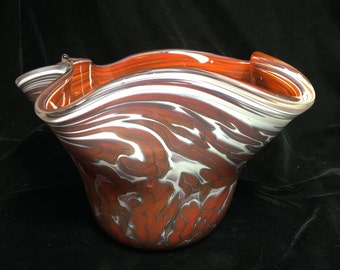 Red / White Vessel Bowl