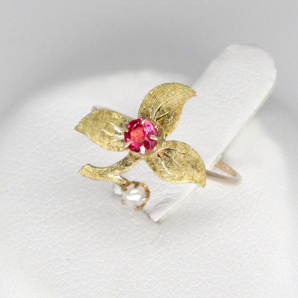 gold flower ring vintage 14k gold floral ring with glass ruby