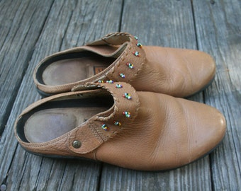 Vintage Tan Leather Ariat Slide on Clogs Mules Beaded // Women's Size 8.5