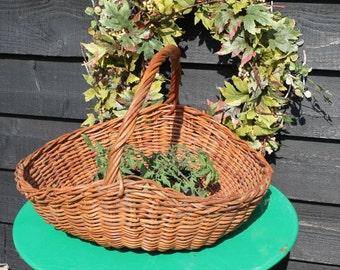Vintage Wicker Flower Basket/Straw Basket/Garden Basket/Wicker Trug/Garden Trug/SALE