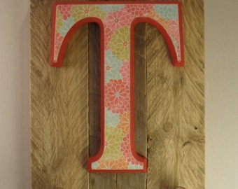 Initial on wood plaque with hooks – T