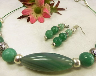 Green Aventurine necklace set with agate olive