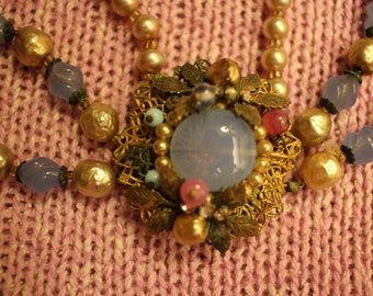 Vintage Beaded Necklace with Stunning Detail