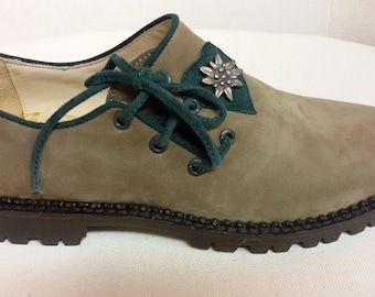 Bisque and Pine Green nubuck SHOE with accessory Edelweiss. rubber sole
