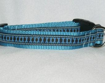 "1"" adjustable dog collar with bone design"