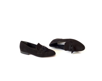 Vintage suede tassel loafers / Classic black suede flats / Size 7 loafers / 90s suede smoking slippers