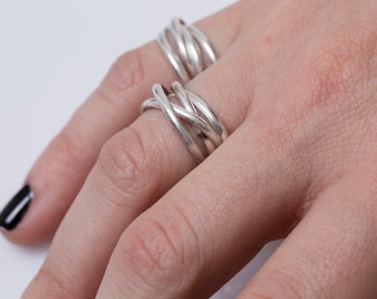 SALE - silver ring,stacking ring,trinity ring,connected rings,cartier ring,everyday ring,handmade silver ring,gifts for her