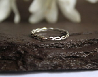 Silver Rope Infinity Ring, Twist Ring Stack, Thin Delicate Ring, Sterling Silver Rope Pattern Band