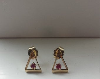 14K Yellow Gold Earrings With Garnets