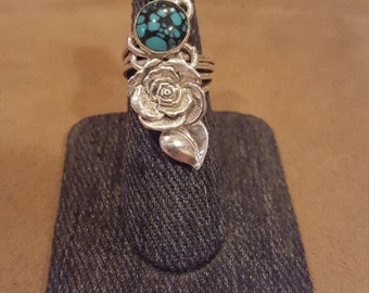 One of a kind sterling silver ring with a rose and two turquoise