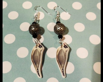 "Earrings ""your gulls gules, the sea is low"""
