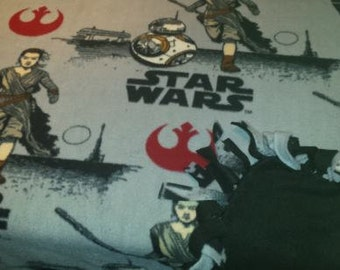 READY TO SHIP Star Wars Force Awakens Rey & BB8 Knotted Fleece Throw With Antipill Backing