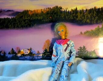 Doll pajamas, Pyama Barbie-sized, light blue shiny, fluffy fabric with fur collars, Scotch locks, hand-sewn, washable