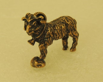 Figurine Lamb Standing