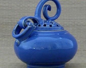 Deep Blue Hinged Pot