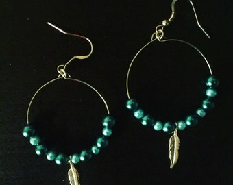 Green pearl hoop earrings !